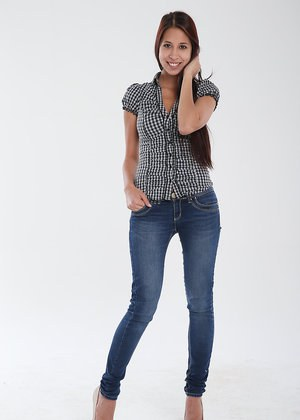 Teen In Tight Jeans Pics